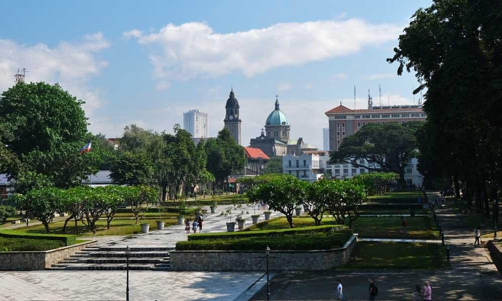 Show Manila fort gardens - Intramuros