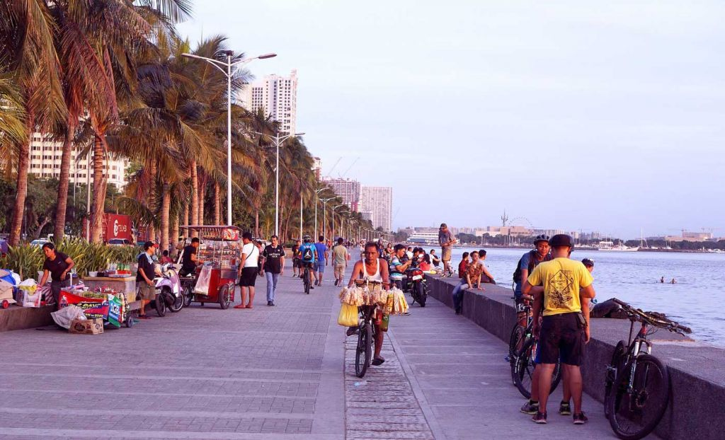 View of Manila Baywalk promenade