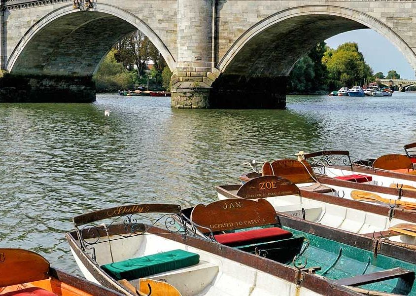 Things to do South West London - Shows boats by Richmond Bridge