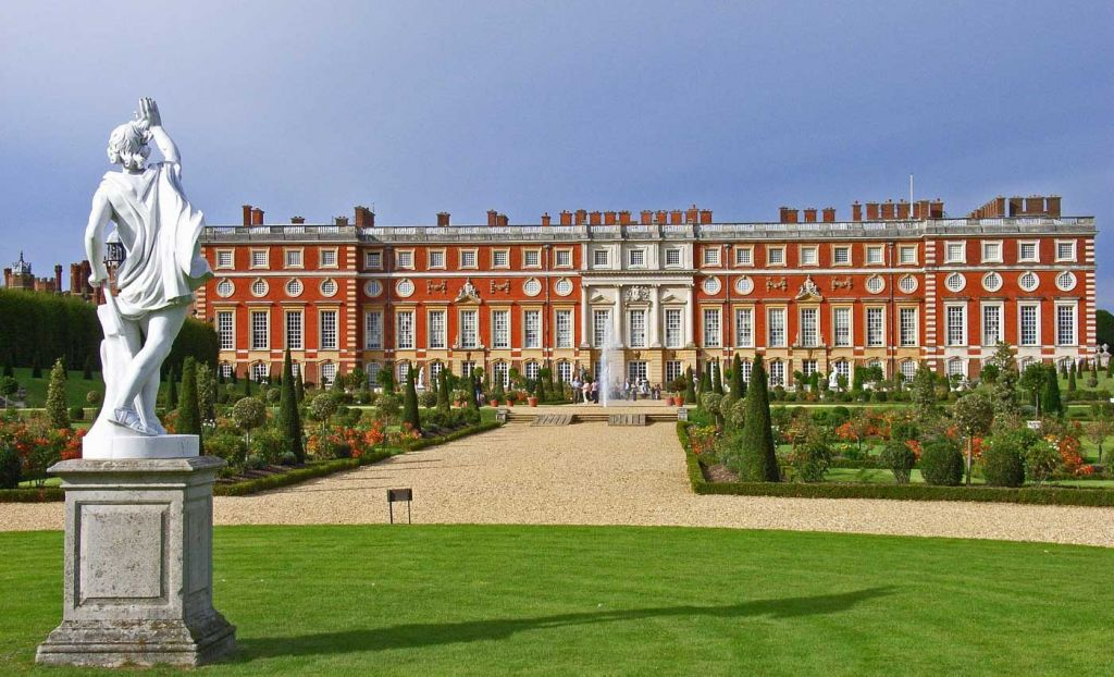 South West London attractions - Shows Hampton Park Palace and gardens