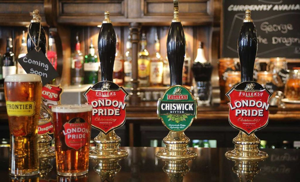 Shows a traditional London pub - South West London attractions