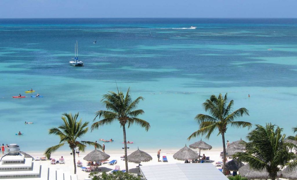 All inclusive holiday resort in Aruba with private beach