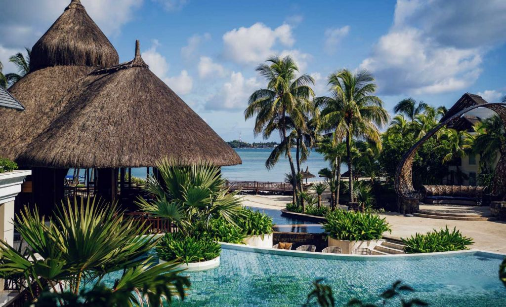 Best all inclusive holiday destinations - Shows luxury hotel pool in Mauritius