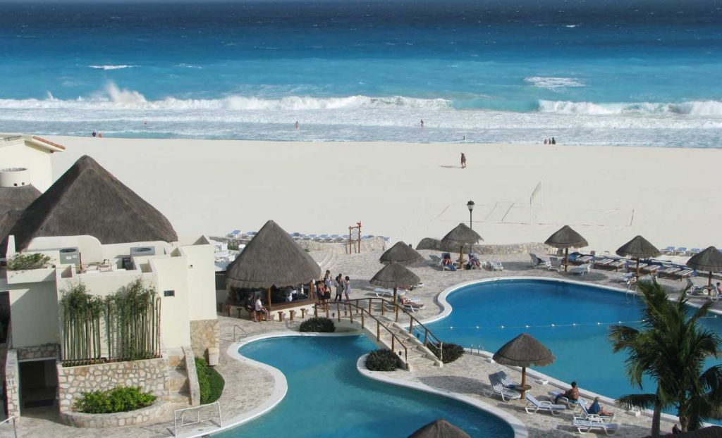 Best all inclusive holiday destinations - Beach-side resort in Cancun