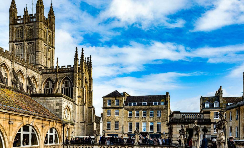 UK 3 week itinerary - Bath house and old church in Bath, England