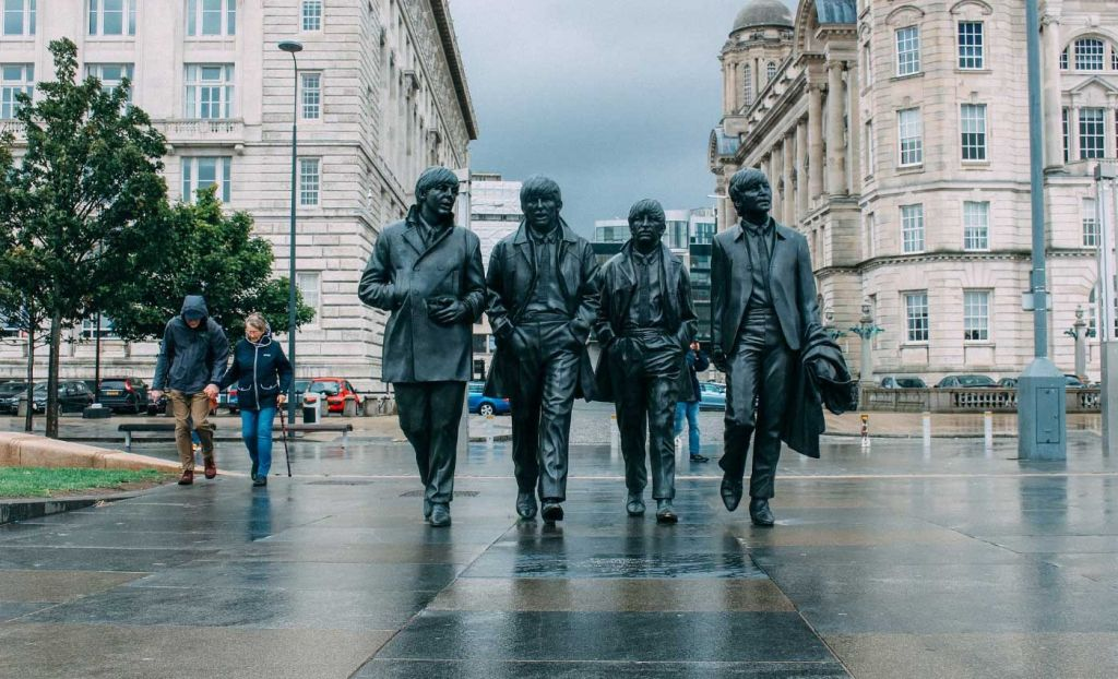 3 weeks in the UK itinerary - The Beatles Statue in the centre of Liverpool