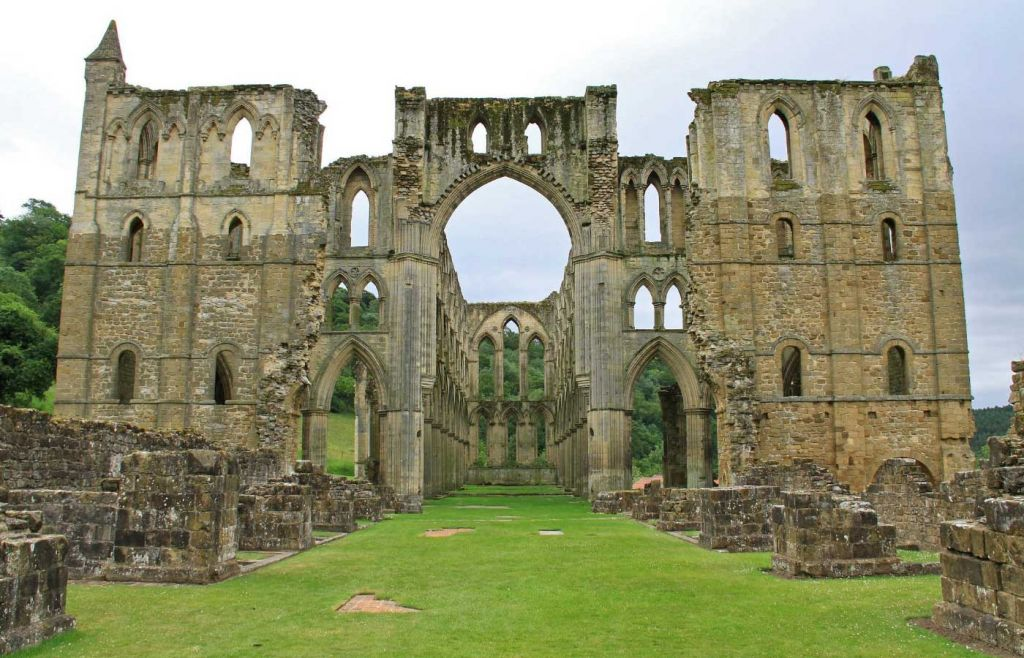 Shows Rievaulx Abbey in Yorkshire