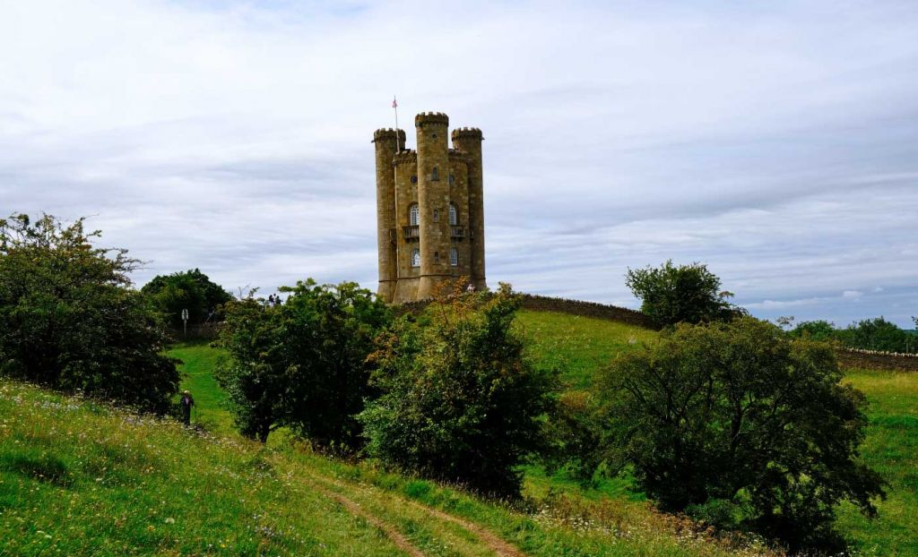 Places to visit in the Cotswolds - Broadway Tower