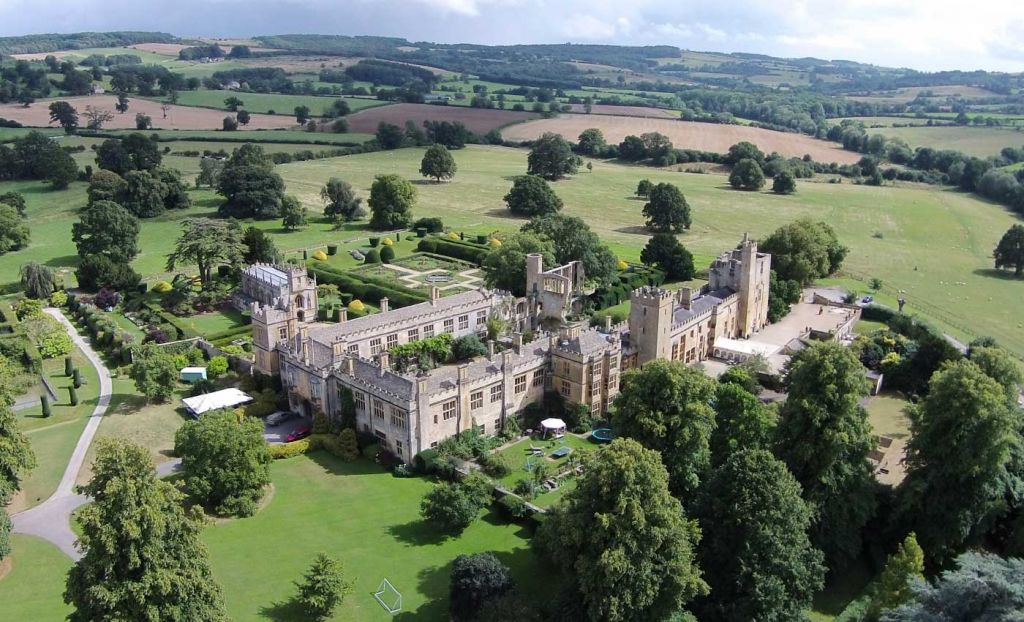 Shows Sudeley Castle from above