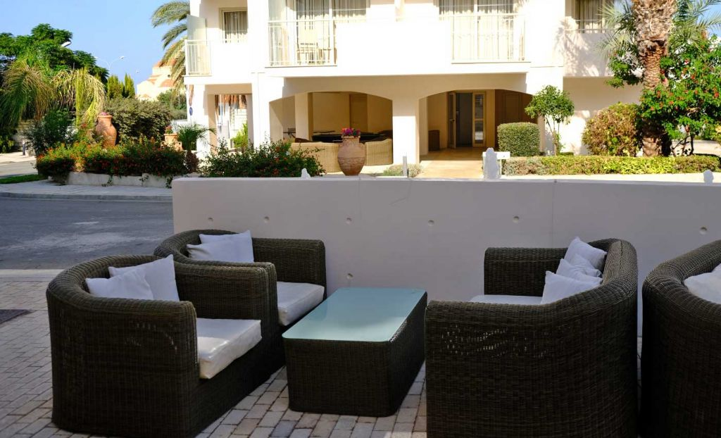 The King Jason Paphos Hotel Outdoor seating