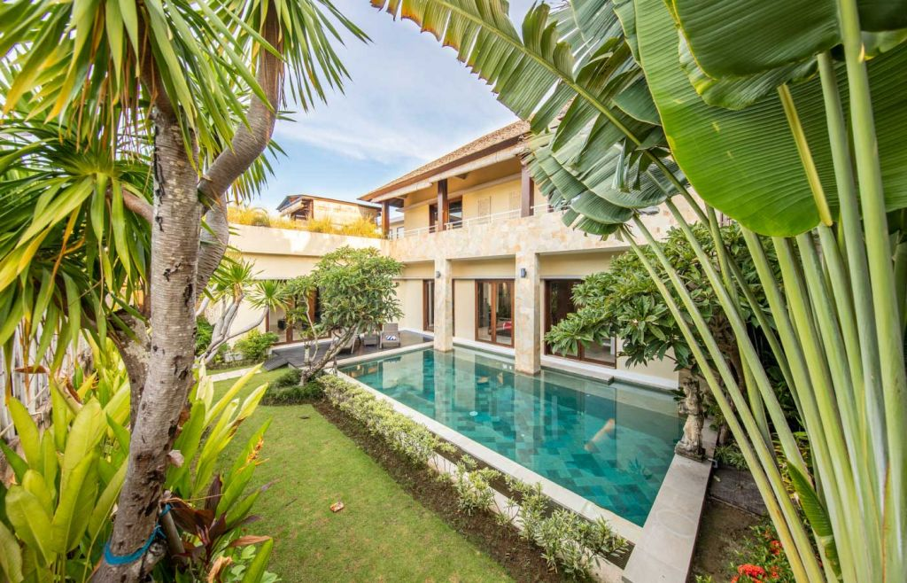 Tips for going on holiday during Covid - Shows Bali private villa