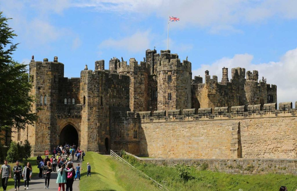 Best places to visit in Northumberland - Entrance of Alnwick Castle