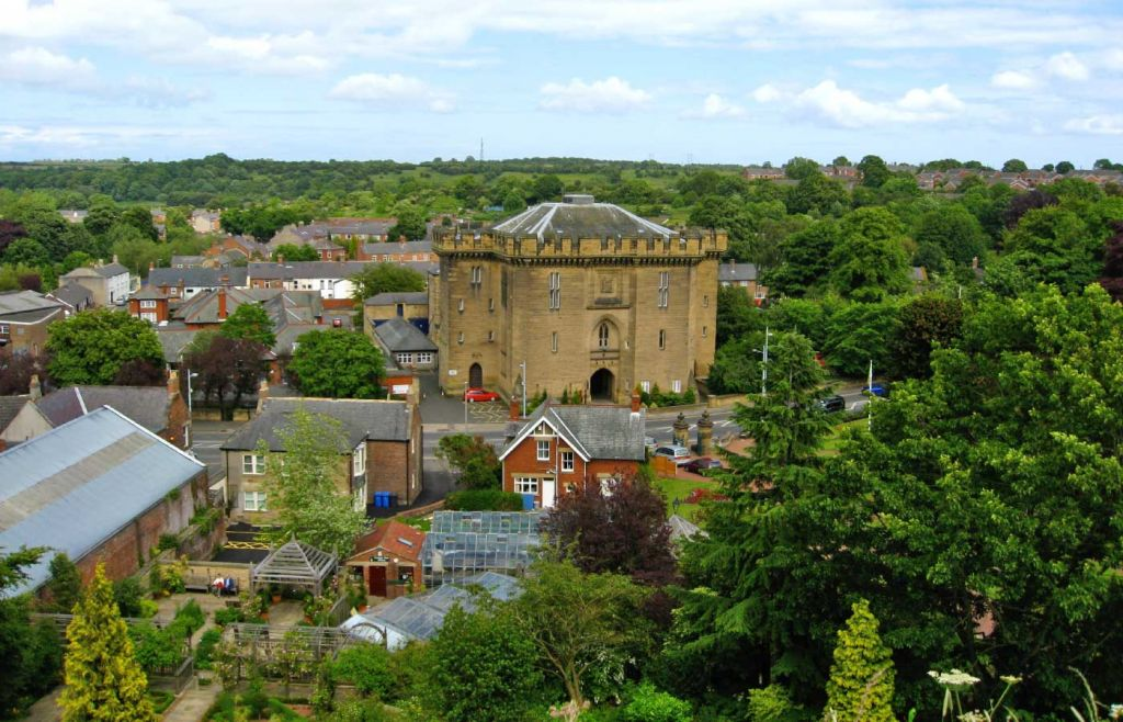Best places to visit in Northumberland - Shows Morpeth town centre
