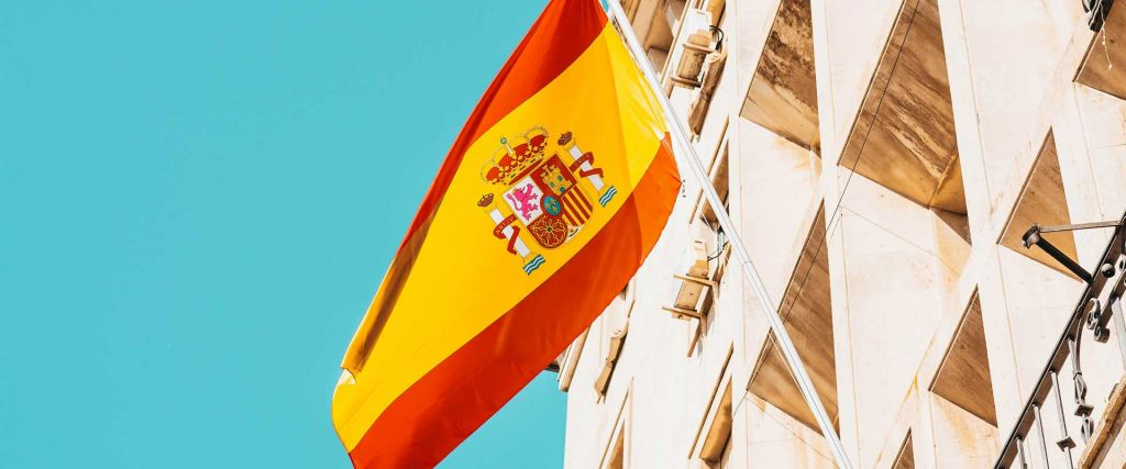 Learn Spanish like a local - Shows Spain flag