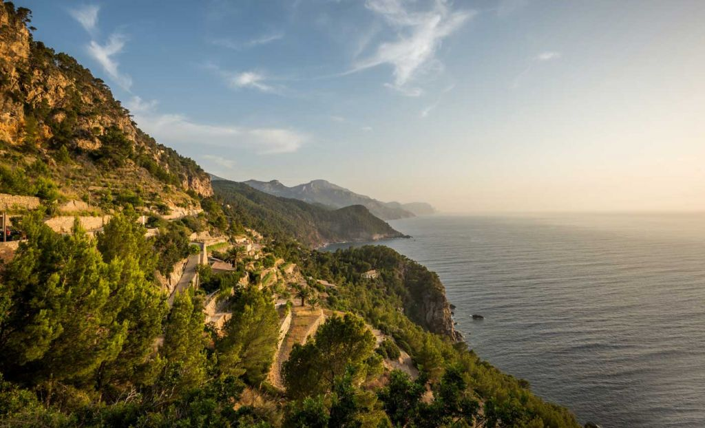 How to speak Spanish like a local - Shows a scenic viewpoint in Mallorca