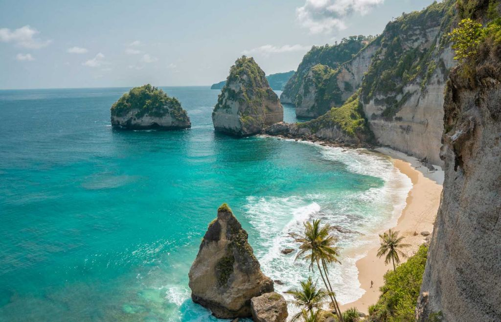 The best holidays for young couples - View of Nusa Penida island