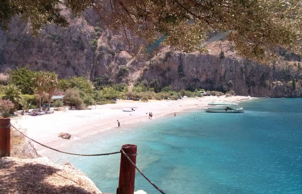 The best holidays for young couples - Relaxing beach in Oludeniz, Turkey