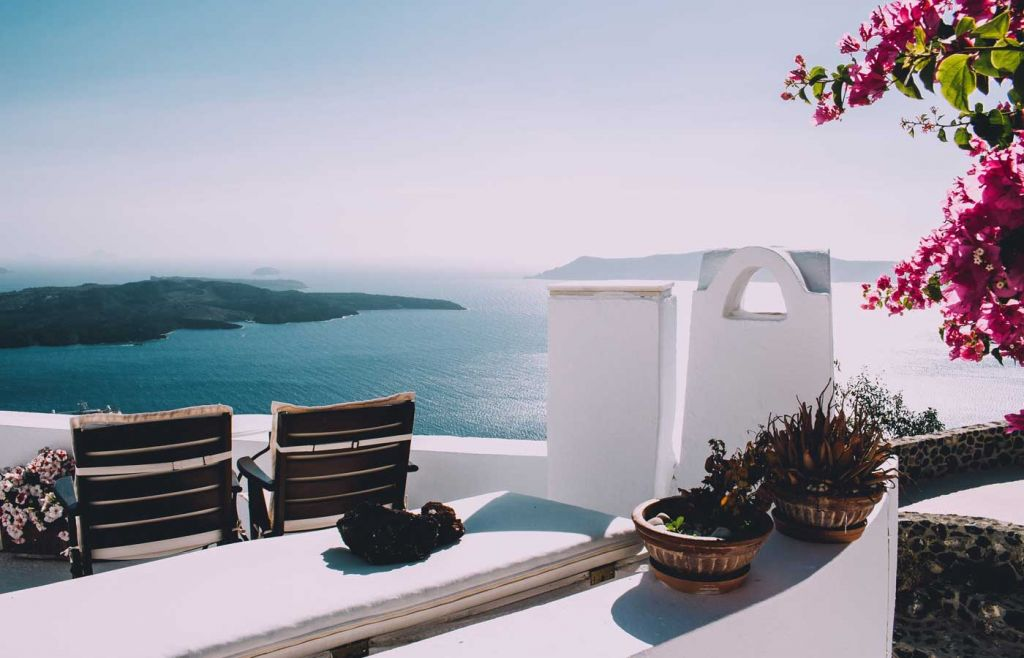 The best Greek islands for couples - White terraces of Santorini