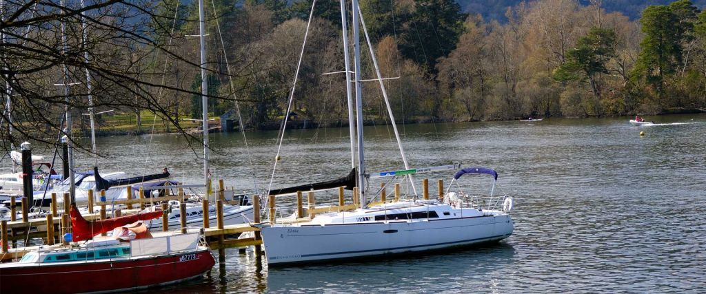 Things to do in Windermere - Sailing yachts on the lake