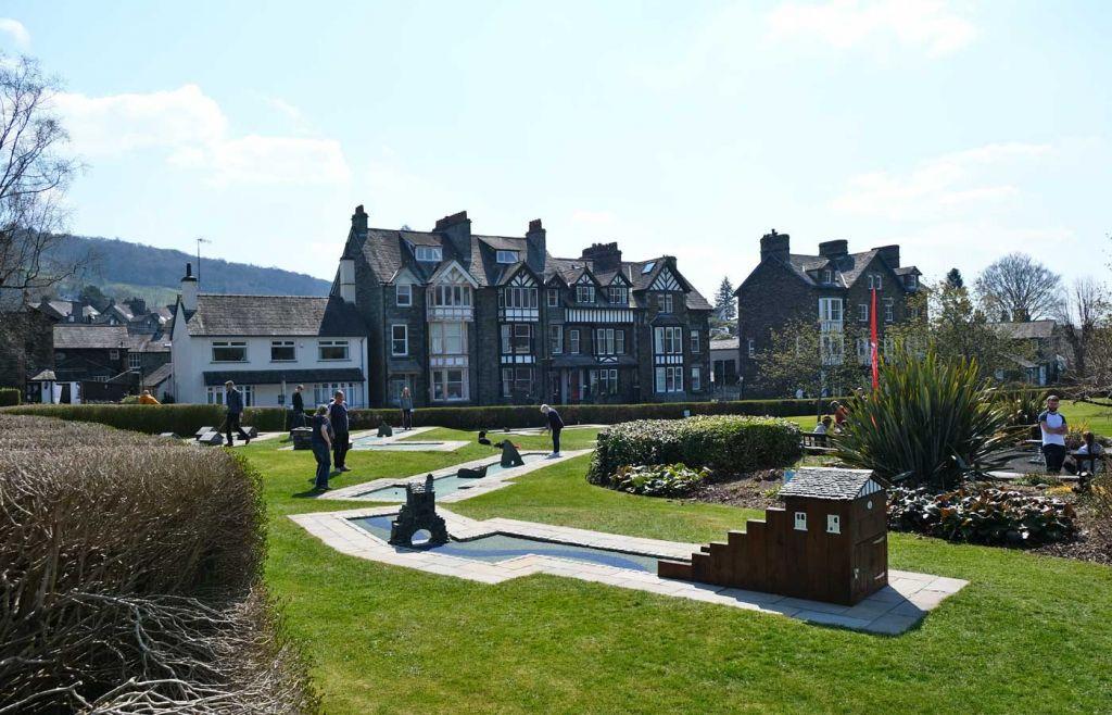 Ambleside attractions - Shows White Platts Mini Golf