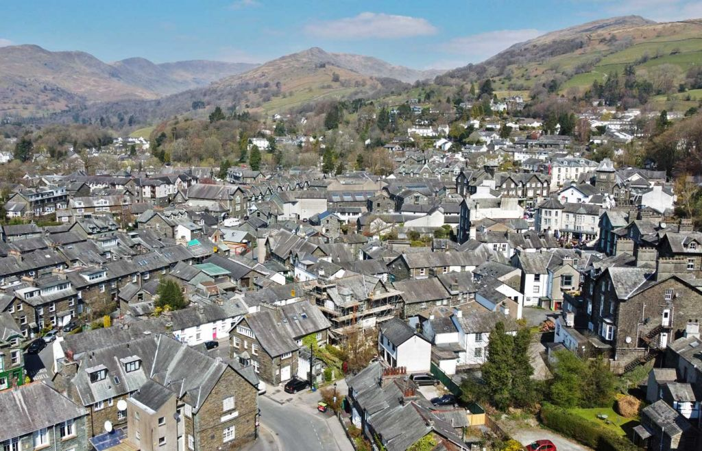 Ambleside guide - Shows the town from above