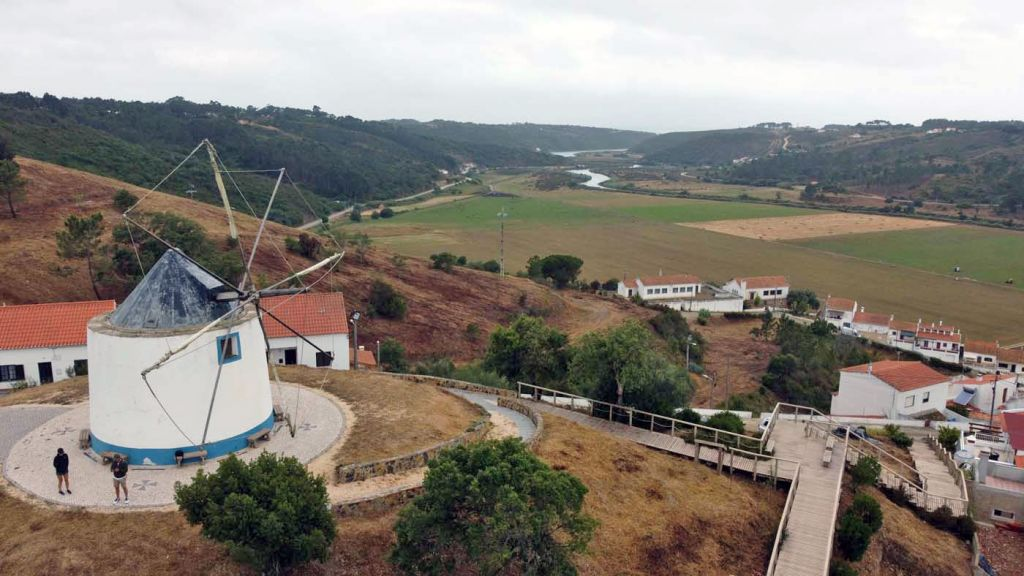 Algarve attractions - Shows a windmill in Odeceixe town