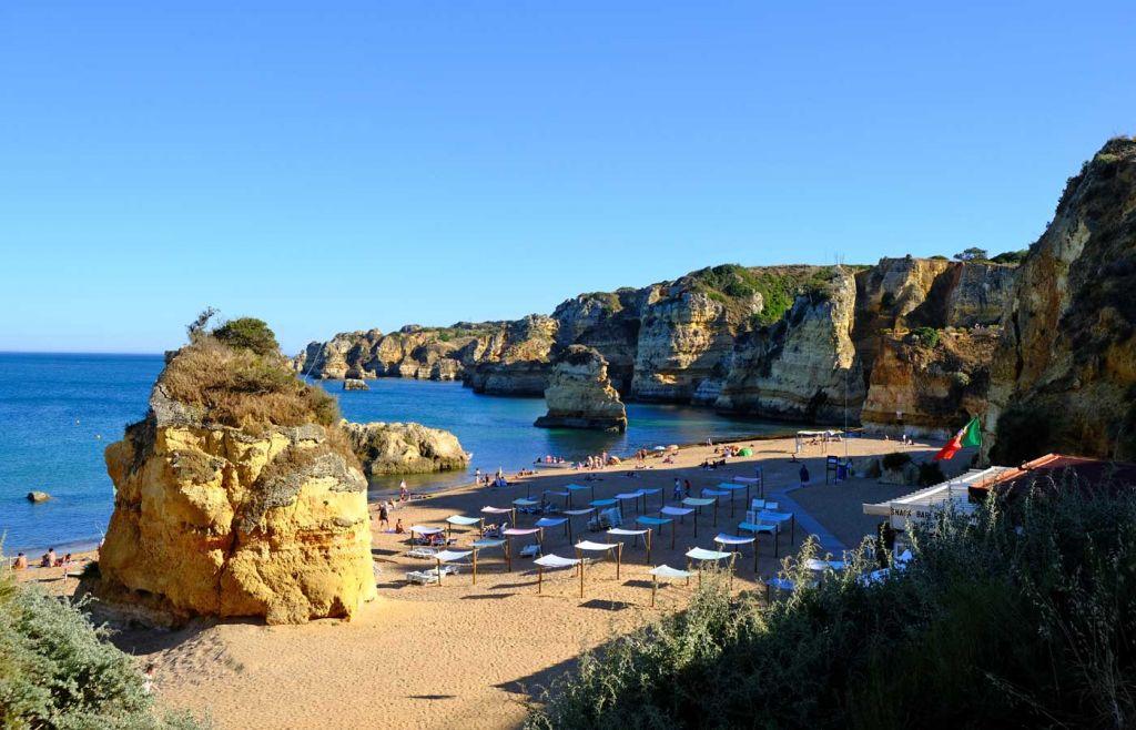 Shows Dona Ana beach in Lagos - Best Algarve beaches