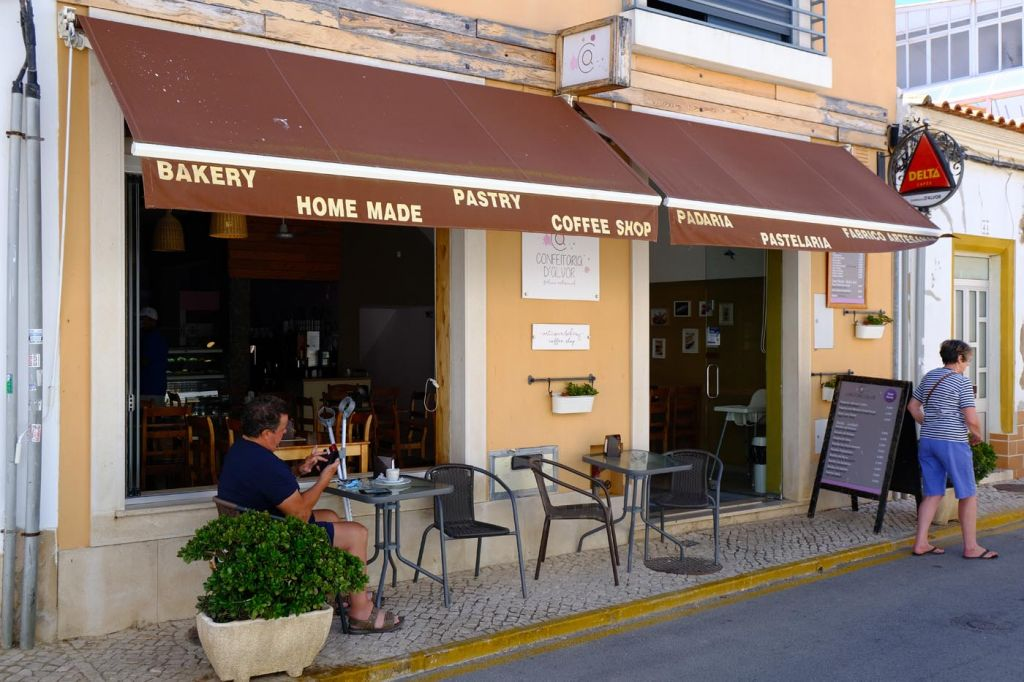 Confeitaria d'Alvor from the outside